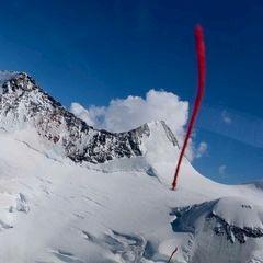 Flugwegposition um 11:53:56: Aufgenommen in der Nähe von Bezirk Inn, Schweiz in 2802 Meter