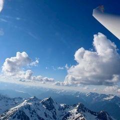 Flugwegposition um 14:53:56: Aufgenommen in der Nähe von Gemeinde Hart im Zillertal, Österreich in 3241 Meter