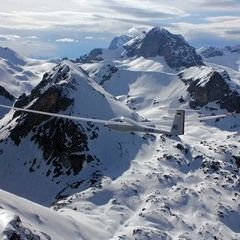 Flugwegposition um 15:25:31: Aufgenommen in der Nähe von Gemeinde Gosau, Österreich in 2946 Meter