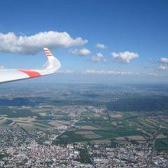 Flugwegposition um 14:09:56: Aufgenommen in der Nähe von Gemeinde Bad Fischau-Brunn, Österreich in 1505 Meter