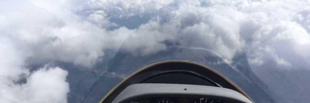Flugwegposition um 13:52:04: Aufgenommen in der Nähe von Gemeinde Klaus an der Pyhrnbahn, Österreich in 2600 Meter