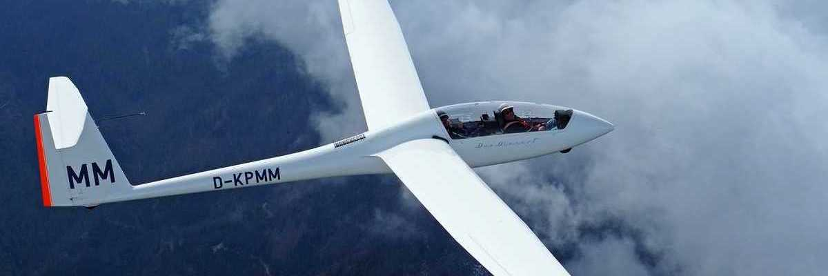 Flugwegposition um 12:35:34: Aufgenommen in der Nähe von Gemeinde Micheldorf in Oberösterreich, Österreich in 1318 Meter