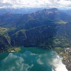 Flugwegposition um 14:28:45: Aufgenommen in der Nähe von Gemeinde St. Gilgen, Österreich in 1673 Meter