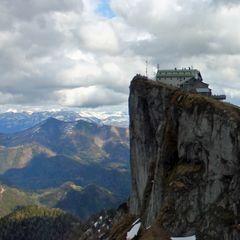 Flugwegposition um 14:36:56: Aufgenommen in der Nähe von Gemeinde St. Wolfgang im Salzkammergut, Österreich in 2165 Meter