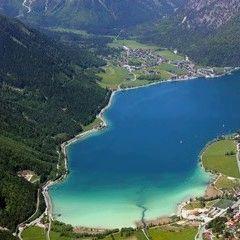 Flugwegposition um 10:24:46: Aufgenommen in der Nähe von Gemeinde Stans, Österreich in 2253 Meter