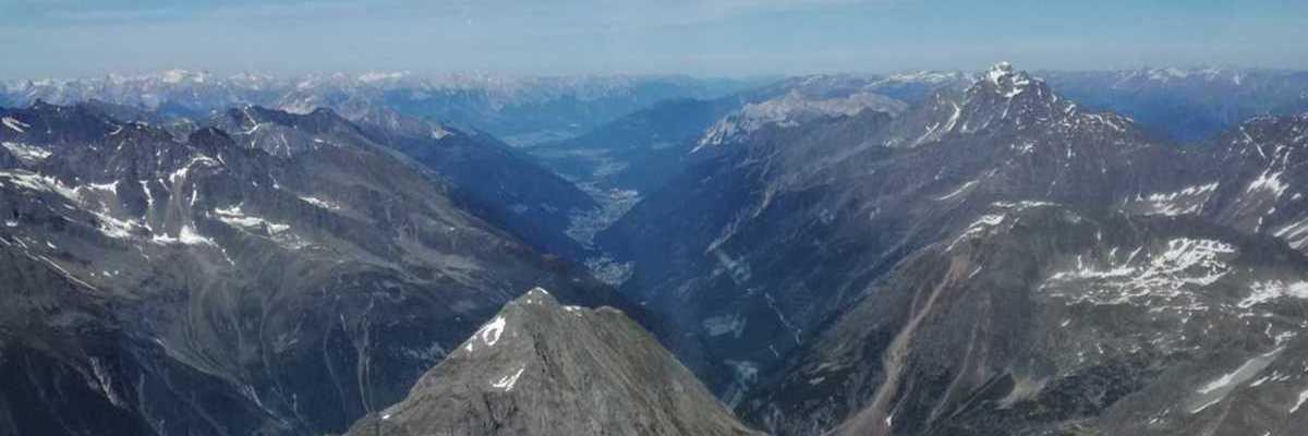 Flugwegposition um 13:58:51: Aufgenommen in der Nähe von Gemeinde Neustift im Stubaital, 6167, Österreich in 3362 Meter