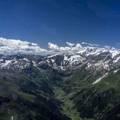 Flugwegposition um 09:09:27: Aufgenommen in der Nähe von Gemeinde Untertauern, Österreich in 2460 Meter