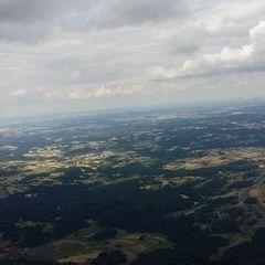 Flugwegposition um 14:12:48: Aufgenommen in der Nähe von Gemeinde Groß Gerungs, Österreich in 1684 Meter