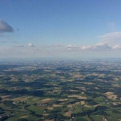 Flugwegposition um 16:56:56: Aufgenommen in der Nähe von Gemeinde Vöcklamarkt, Österreich in 1564 Meter