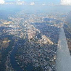 Flugwegposition um 14:35:49: Aufgenommen in der Nähe von Regensburg, Deutschland in 2090 Meter