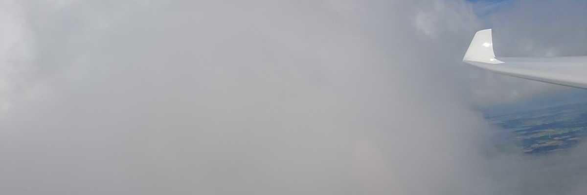 Flugwegposition um 09:48:05: Aufgenommen in der Nähe von Ašmintos sen., Litauen in 1124 Meter