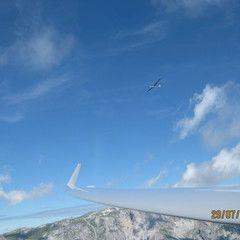 Flugwegposition um 09:44:36: Aufgenommen in der Nähe von Gemeinde Krieglach, Österreich in 1556 Meter