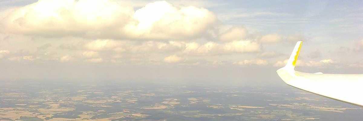 Flugwegposition um 13:52:55: Aufgenommen in der Nähe von Okres Pelhřimov, Tschechien in 1702 Meter