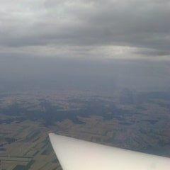 Flugwegposition um 13:29:35: Aufgenommen in der Nähe von Gemeinde Irnfritz-Messern, Österreich in 2560 Meter