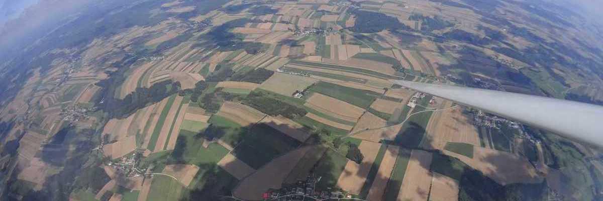 Flugwegposition um 10:14:25: Aufgenommen in der Nähe von Gemeinde Dobersberg, Österreich in 1709 Meter