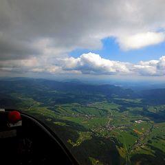 Flugwegposition um 11:27:20: Aufgenommen in der Nähe von Gemeinde Hohenau an der Raab, Österreich in 1881 Meter