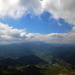 Flugwegposition um 12:22:14: Aufgenommen in der Nähe von Gemeinde Miesenbach, Österreich in 1663 Meter