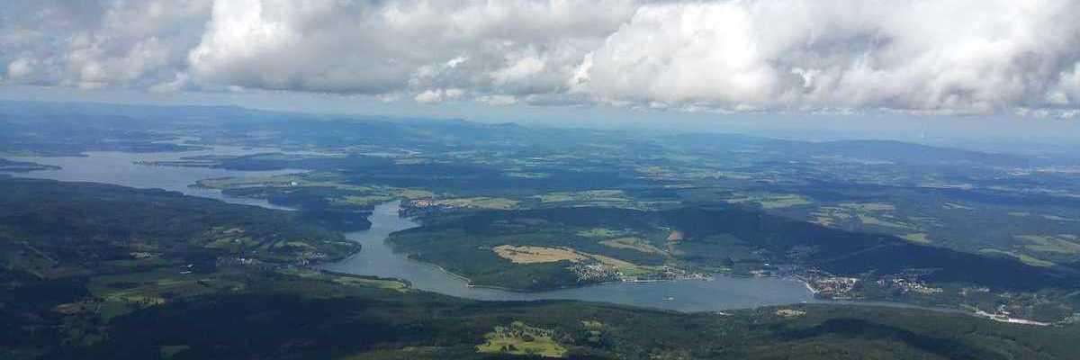 Flugwegposition um 12:26:53: Aufgenommen in der Nähe von Gemeinde Vorderweißenbach, Vorderweißenbach, Österreich in 1983 Meter