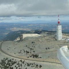 Flugwegposition um 15:15:15: Aufgenommen in der Nähe von Département Vaucluse, Frankreich in 1948 Meter