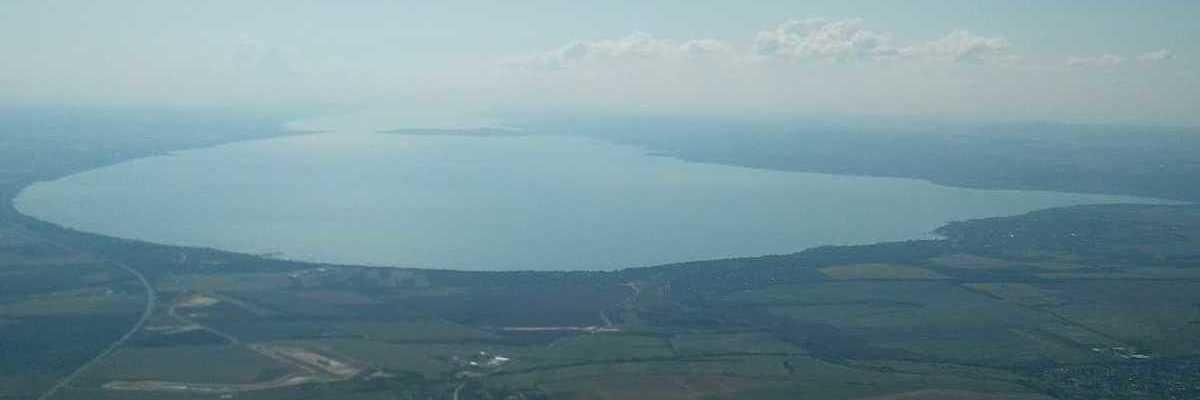 Verortung via Georeferenzierung der Kamera: Aufgenommen in der Nähe von Székesfehérvári, Ungarn in 1500 Meter
