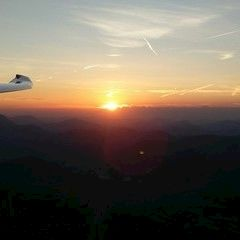Verortung via Georeferenzierung der Kamera: Aufgenommen in der Nähe von Gemeinde Würflach, 2732, Österreich in 1700 Meter