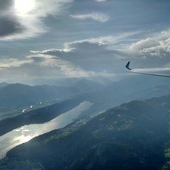 Flugwegposition um 15:50:30: Aufgenommen in der Nähe von Gemeinde Feld am See, Österreich in 2524 Meter