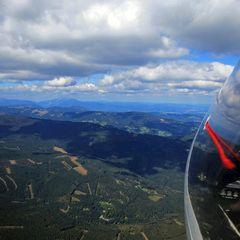 Flugwegposition um 11:45:17: Aufgenommen in der Nähe von Marktgemeinde Pinggau, Österreich in 2025 Meter