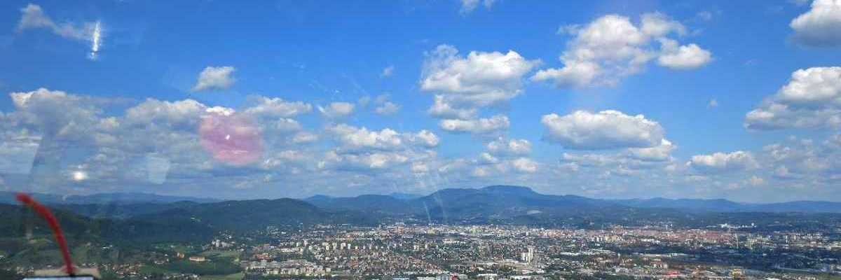 Flugwegposition um 10:44:21: Aufgenommen in der Nähe von Graz, Österreich in 795 Meter