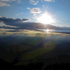 Flugwegposition um 16:00:17: Aufgenommen in der Nähe von Pirka, Österreich in 1477 Meter