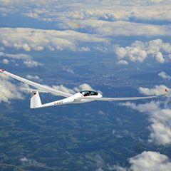 Flugwegposition um 13:16:19: Aufgenommen in der Nähe von Stainz, Österreich in 5826 Meter