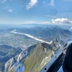 Flugwegposition um 10:40:02: Aufgenommen in der Nähe von 33013 Gemona del Friuli, Udine, Italien in 2067 Meter