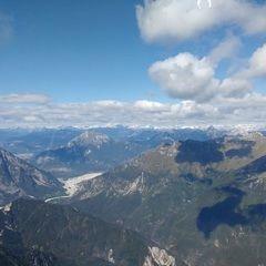 Flugwegposition um 10:39:49: Aufgenommen in der Nähe von 33013 Gemona del Friuli, Udine, Italien in 2064 Meter