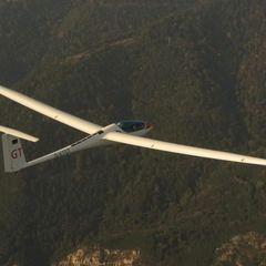 Flugwegposition um 14:48:59: Aufgenommen in der Nähe von Gemeinde Schrattenbach, 2733, Österreich in 1298 Meter