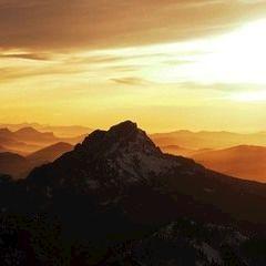 Flugwegposition um 15:21:37: Aufgenommen in der Nähe von Gemeinde Gosau, Österreich in 2756 Meter