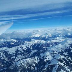 Flugwegposition um 15:35:40: Aufgenommen in der Nähe von Gemeinde Söll, Österreich in 4517 Meter