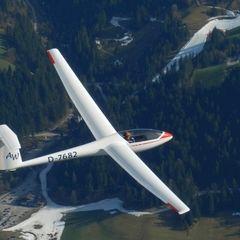 Flugwegposition um 14:46:26: Aufgenommen in der Nähe von Gemeinde Söll, Österreich in 2311 Meter