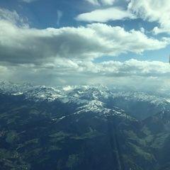 Verortung via Georeferenzierung der Kamera: Aufgenommen in der Nähe von Gemeinde Kundl, Österreich in 2700 Meter