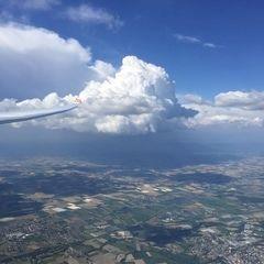 Verortung via Georeferenzierung der Kamera: Aufgenommen in der Nähe von Dingolfing-Landau, Deutschland in 2200 Meter