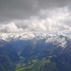 Flugwegposition um 13:12:04: Aufgenommen in der Nähe von Gemeinde Stuhlfelden, Stuhlfelden, Österreich in 2989 Meter