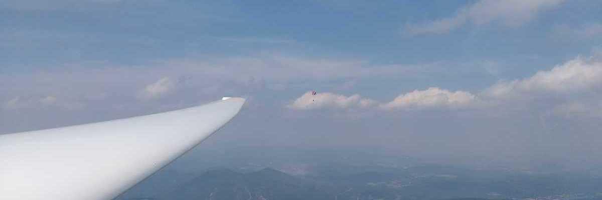 Flugwegposition um 12:47:15: Aufgenommen in der Nähe von Gemeinde Hohe Wand, Österreich in 1572 Meter
