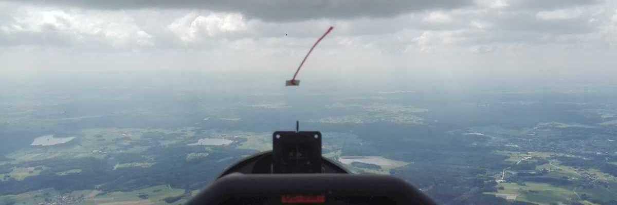 Flugwegposition um 12:38:05: Aufgenommen in der Nähe von Gemeinde Pfaffenschlag bei Waidhofen an der Thaya, Österreich in 1730 Meter