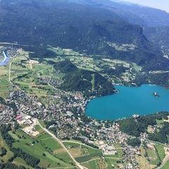 Flugwegposition um 08:10:33: Aufgenommen in der Nähe von Municipality of Bled, Slowenien in 1821 Meter