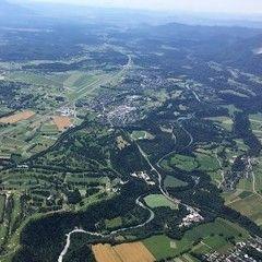 Flugwegposition um 08:10:41: Aufgenommen in der Nähe von Municipality of Bled, Slowenien in 1832 Meter