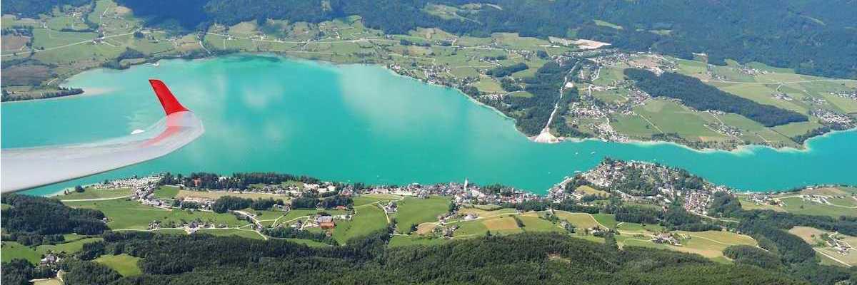 Flugwegposition um 08:54:06: Aufgenommen in der Nähe von Gemeinde St. Wolfgang im Salzkammergut, Österreich in 1897 Meter
