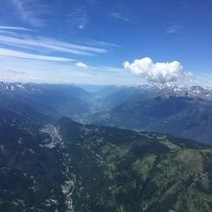 Flugwegposition um 11:48:24: Aufgenommen in der Nähe von 25048 Edolo, Brescia, Italien in 3277 Meter