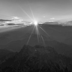 Flugwegposition um 17:04:18: Aufgenommen in der Nähe von St. Martin am Grimming, Österreich in 2357 Meter
