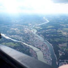 Flugwegposition um 14:38:05: Aufgenommen in der Nähe von Gemeinde Freinberg, Österreich in 1523 Meter