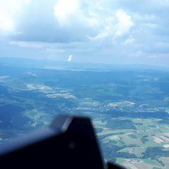 Flugwegposition um 14:00:26: Aufgenommen in der Nähe von Gemeinde Arnreit, Österreich in 1645 Meter