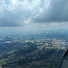 Flugwegposition um 10:50:49: Aufgenommen in der Nähe von Gemeinde Neukirchen bei Lambach, 4671, Österreich in 1656 Meter