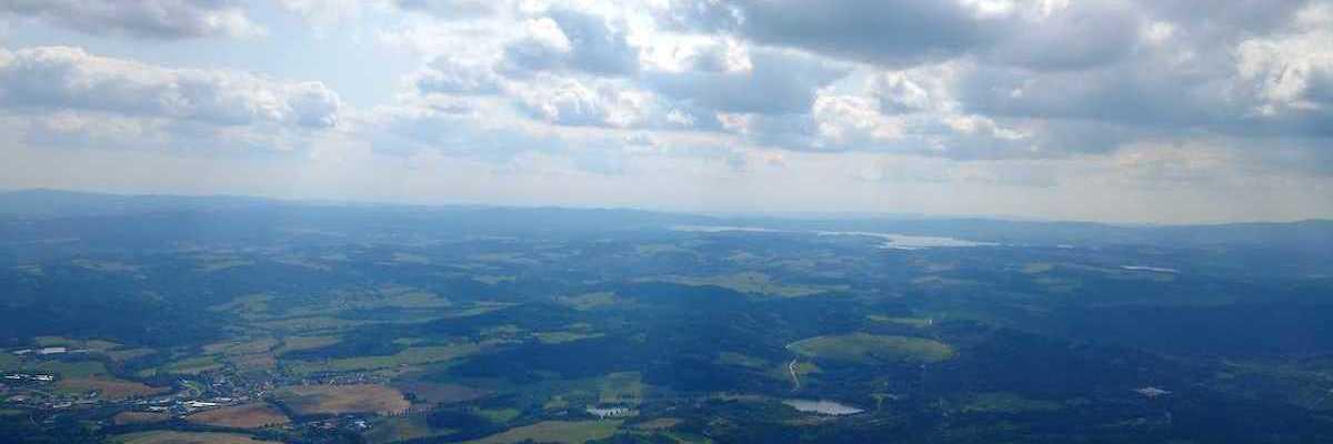 Flugwegposition um 12:38:52: Aufgenommen in der Nähe von Okres Český Krumlov, Tschechien in 1527 Meter